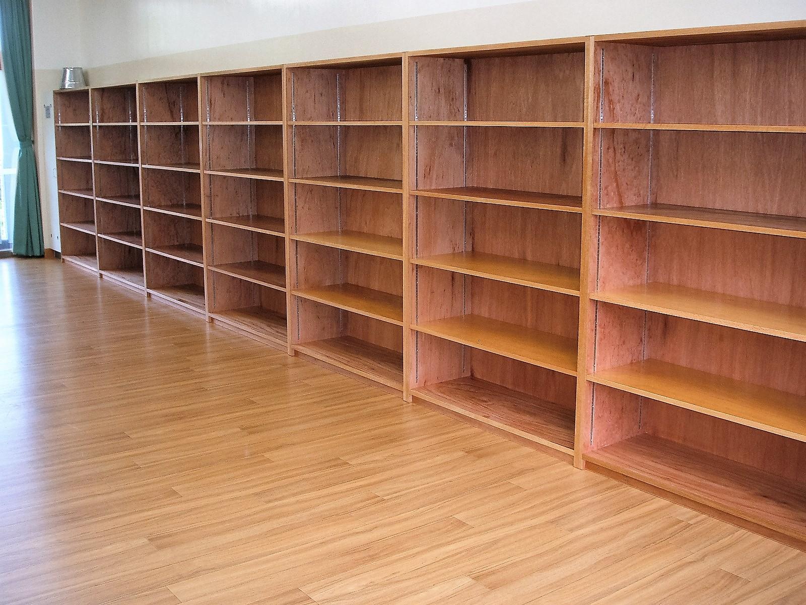 壁面木製棚
